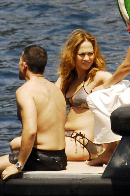 Jennifer Lopez - 64